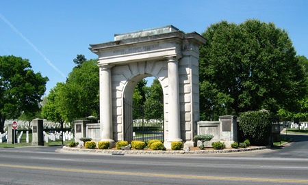 Main gate at Nashville National Cemetery.