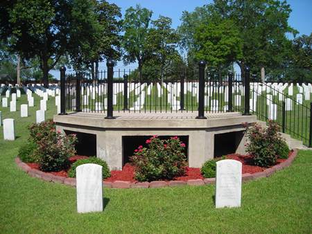 Rostrum at Raleigh National Cemetery.