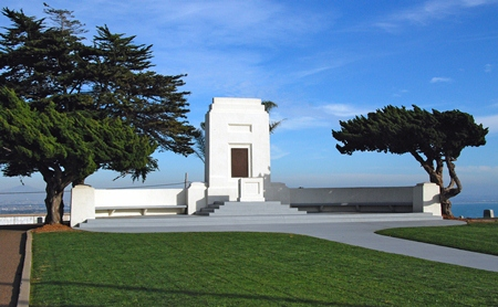 Fort Rosecrans National Cemetery rostrum.
