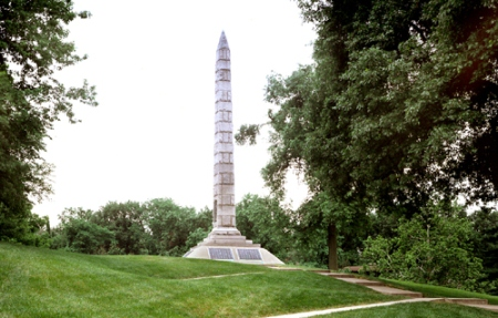 Overall view of the granite obelisk that marks the collective grave of more than 1,000 Confederate soldiers at North Alton Confederate Cemetery.