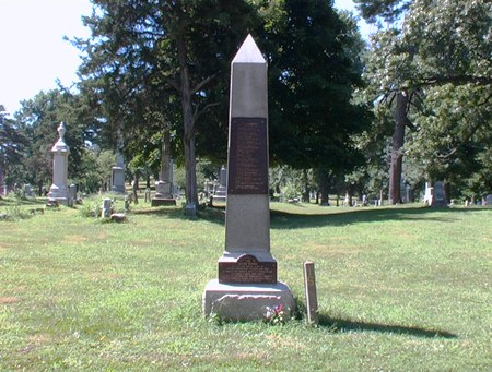 View of the obelisk monument, which commemorates 15 Confederate prisoners of war who died in Kansas City and were later interred at Union Cemetery.