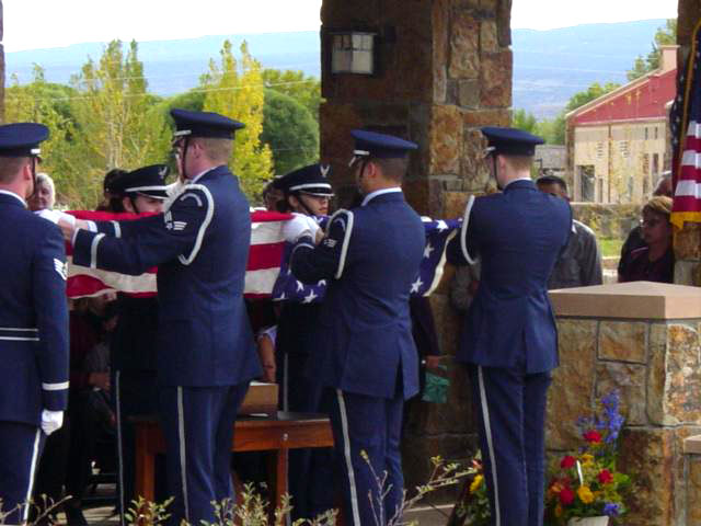 Picture of an honor detail providing military funeral honors.