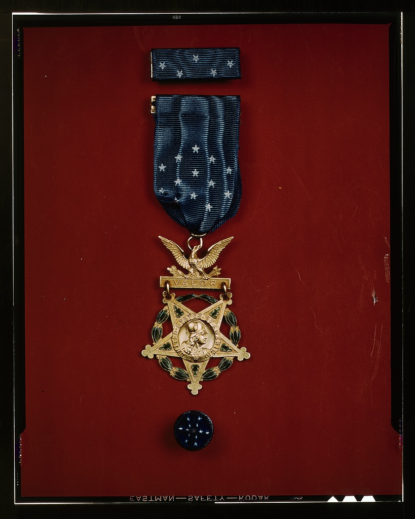 understanding the medal of honor Benjamin b levy and american jewish legitimacy american jewish legitimacy benjamin b levy, a young jewish volunteer, received the medal of honor on 1 mar 1865, one of the first jews so different and hard to understand in contemporary american life the context of the term.